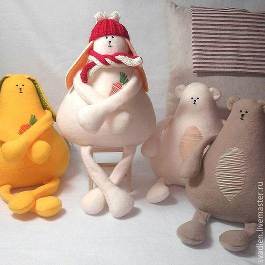 Игрушки животные, ручной работы. Ярмарка Мастеров - ручная работа. Купить Зайцы и медведи - игрушки из флиса. Handmade. Куклы и игрушки