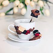 Кружки ручной работы. Ярмарка Мастеров - ручная работа Чайная пара с шоколадками из полимерной глины ручной работы. Handmade.