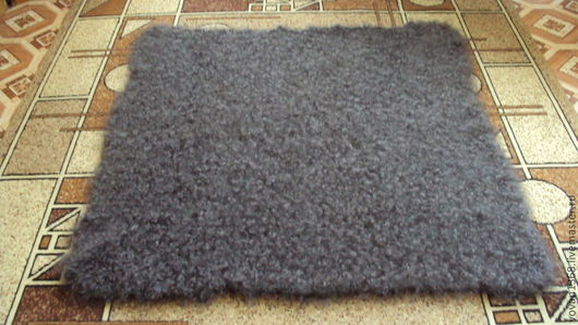 Описание:Шаль -это платок больших размеров.Форма квадрат. Каймы ажурные связанные одним полотном с платком.Середина плотной платочной вязки или рисунок мелкий плотный для тепла.Серая шаль необыкновенн