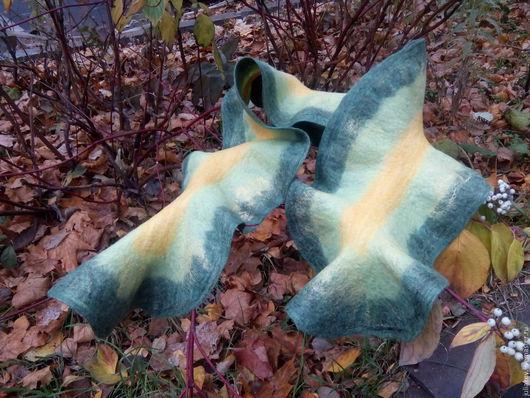 Шарфы и шарфики ручной работы. Ярмарка Мастеров - ручная работа. Купить Валяный шарф с воланом Осенняя хвоя. Handmade. Зеленый
