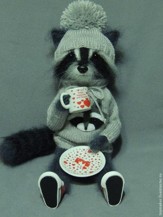 Игрушки животные, ручной работы. Ярмарка Мастеров - ручная работа. Купить Енот. Handmade. Серый, raccoon, пряжа
