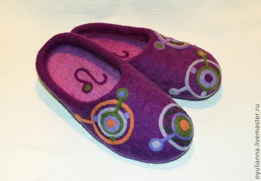 """Обувь ручной работы. Ярмарка Мастеров - ручная работа. Купить Тапочки из войлока """"Знаки зодиака"""". Handmade. Фиолетовый, тапочки валяные"""
