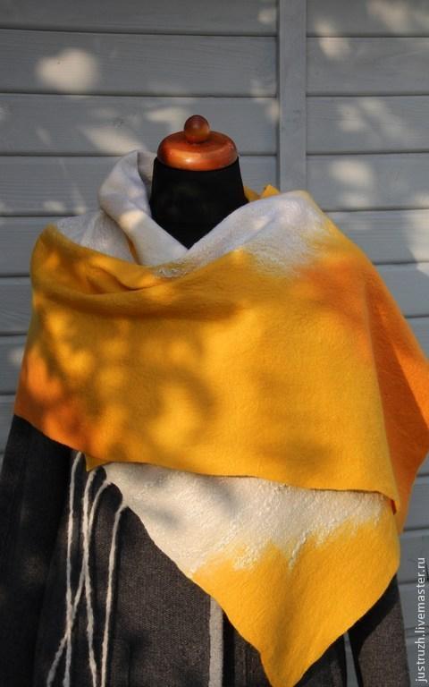 """Шали, палантины ручной работы. Ярмарка Мастеров - ручная работа. Купить Валяная шаль """"Тыква"""". Handmade. Оранжевый, подарок женщине"""