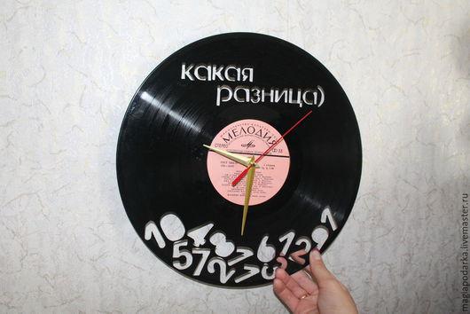 """Часы для дома ручной работы. Ярмарка Мастеров - ручная работа. Купить Часы из виниловый пластинки """"Какая разница"""". Handmade. Черный"""