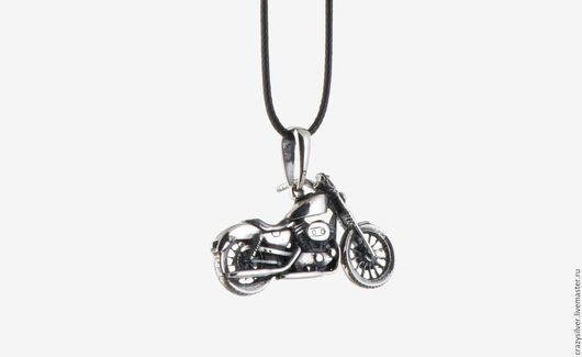 Мотоцикл Harley-Davidson.  CRAZY SILVER ™  Кулон ручной работы из серебра 925, максимальная детализация, масштабная копия американского мотоцикла Harley-Davidson