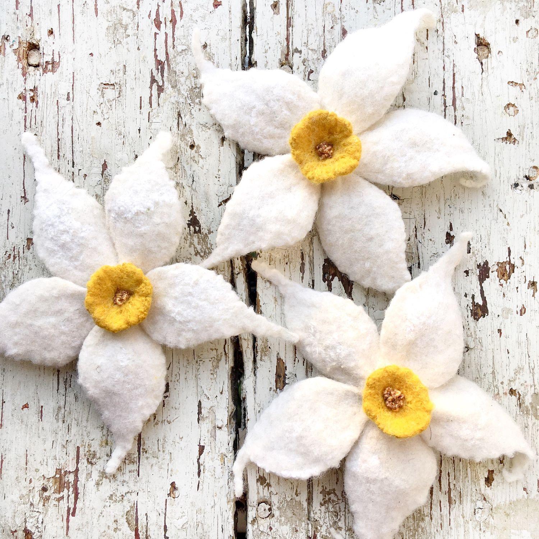 Narcissus white brooch, Brooch-clip, Blagoveshchensk,  Фото №1