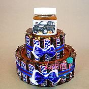 Сувениры и подарки ручной работы. Ярмарка Мастеров - ручная работа Торт из конфет подарок сникерсов snickers молодому человеку мужчине. Handmade.