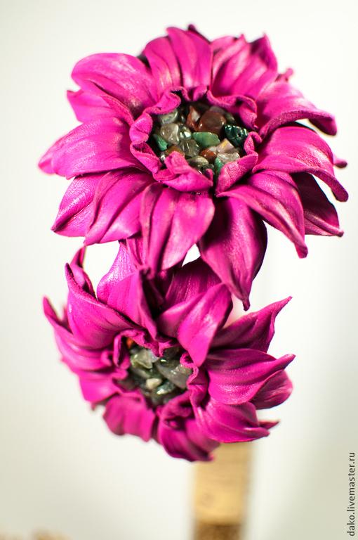 Диадемы, обручи ручной работы. Ярмарка Мастеров - ручная работа. Купить Ободок с цветами из натуральной  кожи. Handmade. Подарок девушке