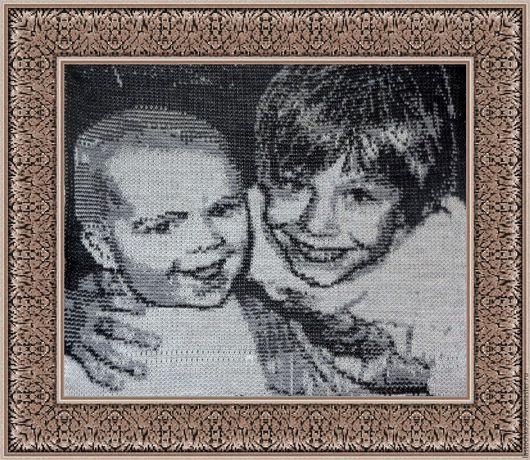 Трикотажный портрет по фото на заказ. Этот портрет сделан с черно-белой фотографии. сейчас этим детям уже 30 и 24 года))) Для примера