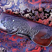 Сумки и аксессуары ручной работы. Ярмарка Мастеров - ручная работа Очечник из натуральной кожи с тиснением Dragon. Handmade.