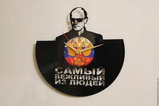 """Часы для дома ручной работы. Ярмарка Мастеров - ручная работа. Купить Часы из виниловой пластинки """"Путин"""". Handmade. Черный, Политика"""