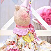 Куклы и игрушки ручной работы. Ярмарка Мастеров - ручная работа Кошка Милаша текстильная игрушка, подарок на день рождения. Handmade.