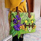 Сумки и аксессуары handmade. Livemaster - original item Tote: Green felt bag with pattern. Handmade.