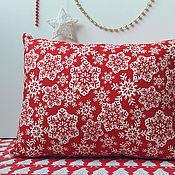 Подарки к праздникам ручной работы. Ярмарка Мастеров - ручная работа Яркие Красно-белые подушки в скандинавском стиле. Handmade.