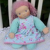 Куклы и игрушки ручной работы. Ярмарка Мастеров - ручная работа Вальдорфская кукла в пришивном комбинезоне Ментоловая Пироженка. Handmade.