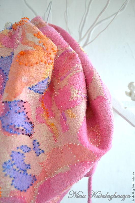 Шарфы и шарфики ручной работы. Ярмарка Мастеров - ручная работа. Купить Валяный шарф - бактус Фуксия. Handmade. Фуксия