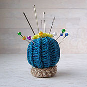 Куклы и игрушки ручной работы. Ярмарка Мастеров - ручная работа Игольница вязаный кактус. Handmade.