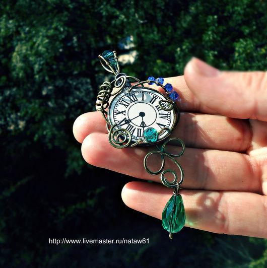 """Кулоны, подвески ручной работы. Ярмарка Мастеров - ручная работа. Купить Кулон подвеска """"Часодеи"""" (часы, книга, подвес, детская фантастика). Handmade."""