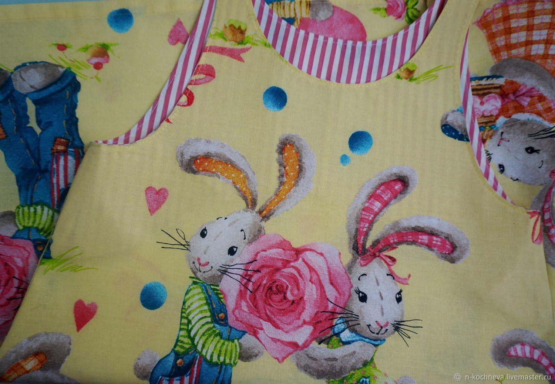 Детское платье сарафан с зайцами Тильдами желтое