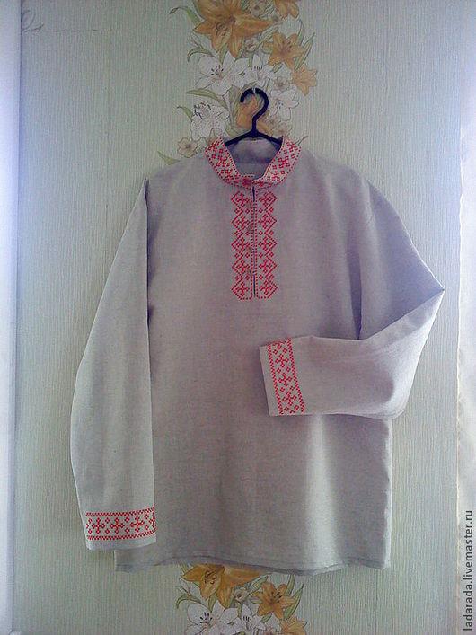 Мужская рубаха из льняной ткани с ручной вышивкой крестиком, традиционный русский орнамент. По желанию заказчика можно выполнить в любом цвете и нужного размера.