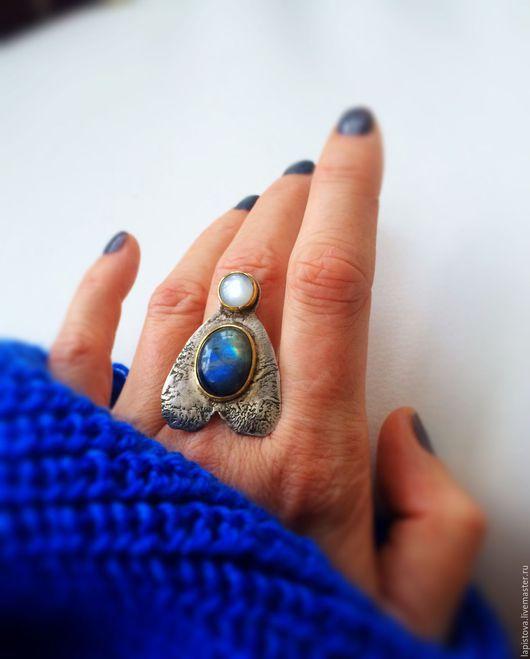 Кольца ручной работы. Ярмарка Мастеров - ручная работа. Купить Кольцо МУХА (лабрадор, лунный камень, серебро, латунь) RESERV. Handmade.