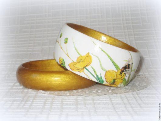 белый желтый золотой женский недорогой деревянный браслет лютик анемона недорого подарок что подарить девушке женщине сестре подруге маме жене на 8 марта день рождения дерево