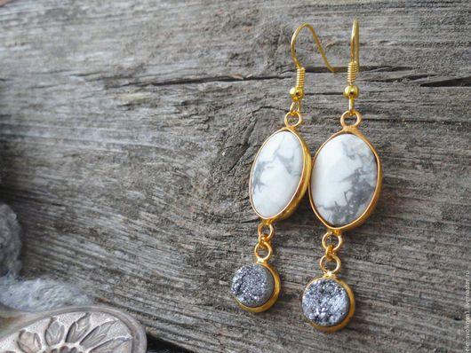 длинные серьги с камнями позолота белый серый длинные серьги с камнями позолота белый серый длинные серьги с камнями позолота белый серый длинные серьги с камнями позолота белый серый