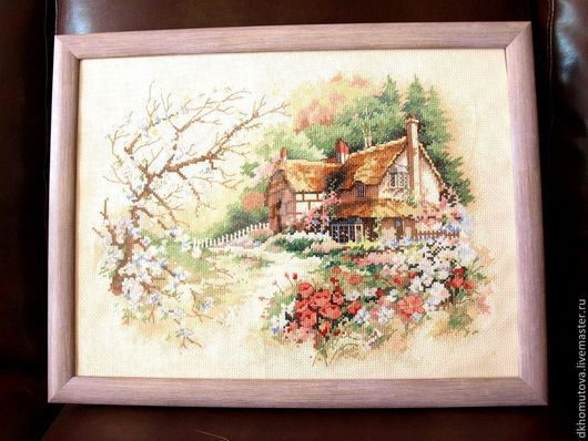 """Пейзаж ручной работы. Ярмарка Мастеров - ручная работа. Купить Вышитая картина """"Домик в лесу"""". Handmade. Картина, картина крестиком"""