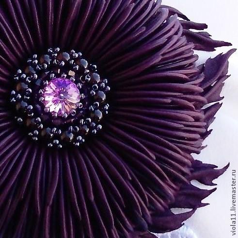 """Броши ручной работы. Ярмарка Мастеров - ручная работа. Купить """"Магия"""" Брошь фиолетовый цветок кожа Сваровски гранат бисер. Handmade."""