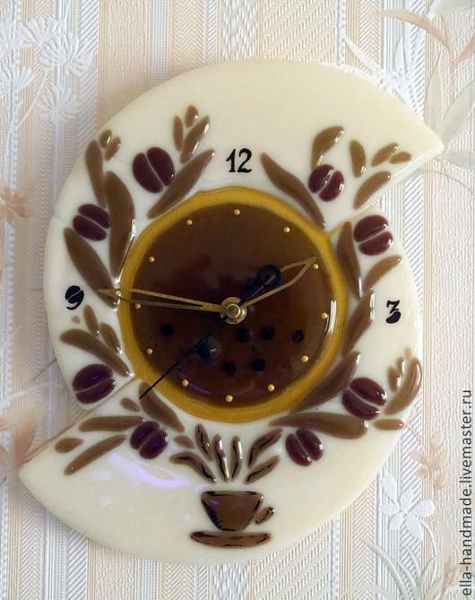 """Часы для дома ручной работы. Ярмарка Мастеров - ручная работа. Купить Часы стеклянные фьюзинг """"Кофейный аромат"""". Handmade. Бежевый"""