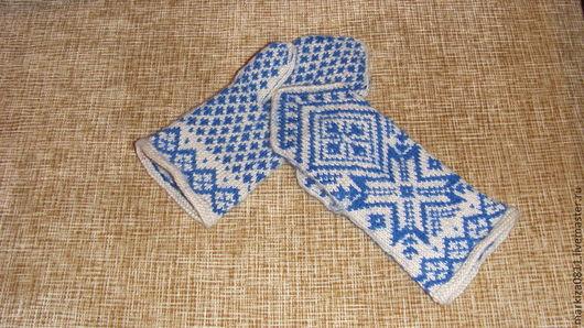 Варежки, митенки, перчатки ручной работы. Ярмарка Мастеров - ручная работа. Купить варежки для девочки с голубым орнаментом. Handmade. Голубой