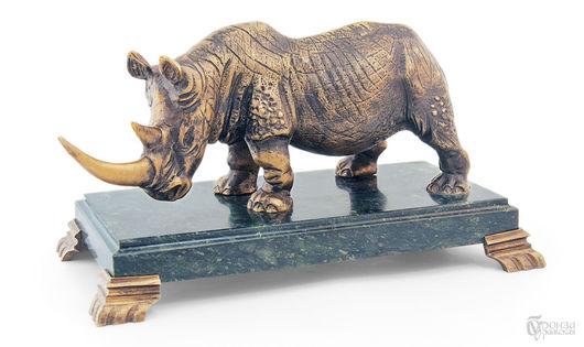 Элементы интерьера ручной работы. Ярмарка Мастеров - ручная работа. Купить Носорог на подставке. Handmade. Носорог, скульптура, скульптурная миниатюра