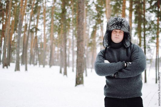 Вязаный мужской свитер  шерстяной  свитер ручной работы   серый свитер однотонный подарок для мужчины   из натуральной шерсти  для отдыха  воротник – гольф   для мужчины  подарок на любой случай   WW