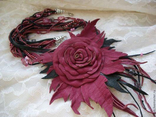 """Колье, бусы ручной работы. Ярмарка Мастеров - ручная работа. Купить Колье из кожи""""Малиновая роза"""" в 4х цветах. Handmade. Фуксия"""