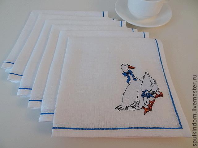 Салфетки с вышивкой `Гуси` по