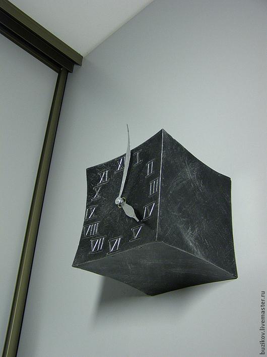 Часы для дома ручной работы. Ярмарка Мастеров - ручная работа. Купить Часы настенные кованые Куб. Handmade. Черный, сталь