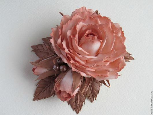 Цветы из фоамирана - заколка зажим для волос с розами Капучино и листьями беж. Ручная обработка, материал - фоамиран. Мастер Любовь Амосова `Оранжерея рукотворных цветов `Studio-laim`