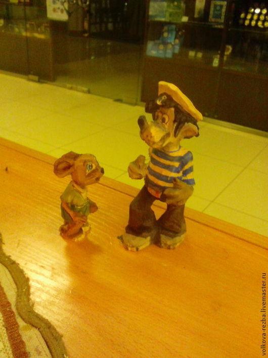 """Сказочные персонажи ручной работы. Ярмарка Мастеров - ручная работа. Купить """"Ну , погоди!""""-резьба по дереву. Handmade. Ну погоди"""