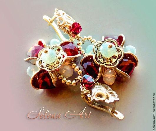 Серьги `Серебряный век` из красной шпинели и серебра - роскошное вечернее украшение.