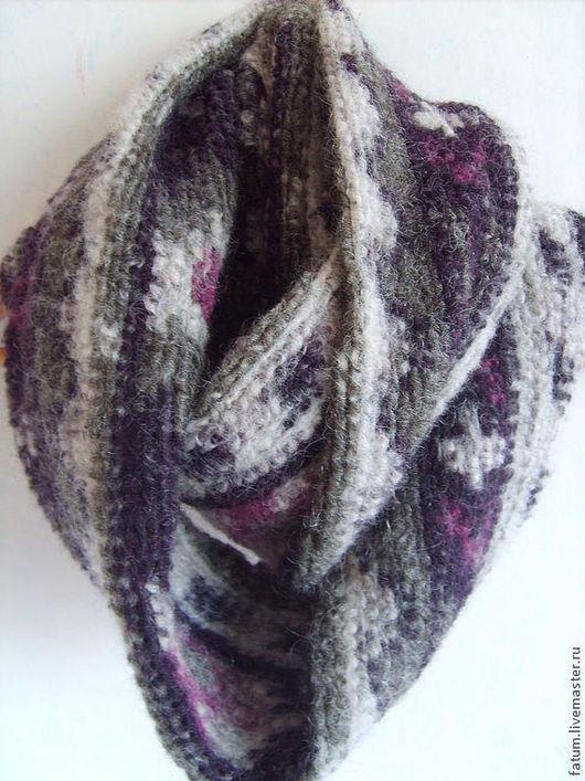 Шали, палантины ручной работы. Ярмарка Мастеров - ручная работа. Купить Шерстяной шарф-снуд Фиолетовое тепло. Handmade.