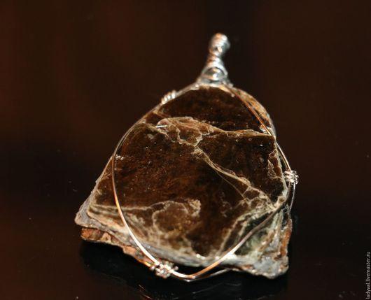 камень 4.0 х 3.5 см.