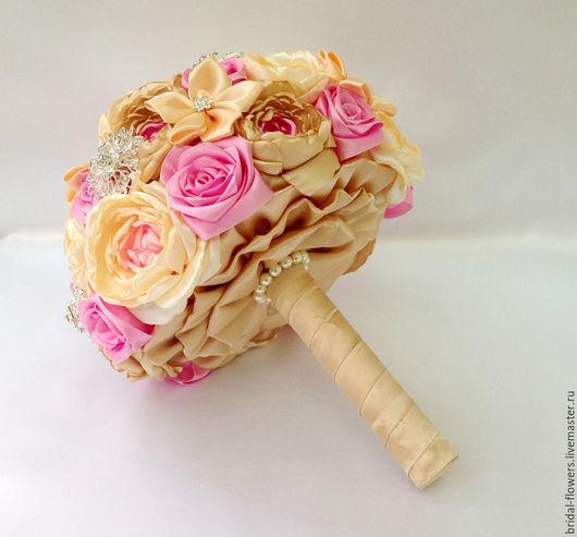 Свадебные цветы ручной работы. Ярмарка Мастеров - ручная работа. Купить Брошь букет невесты из бежевого и розового цвета. Handmade.