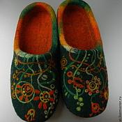 """Обувь ручной работы. Ярмарка Мастеров - ручная работа Тапки валяные домашние """"Зеленый + оранжевый"""". Handmade."""