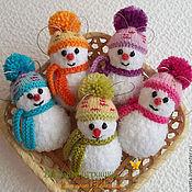 """Подарки к праздникам ручной работы. Ярмарка Мастеров - ручная работа """"Снеговички"""" вязаные игрушки. Handmade."""