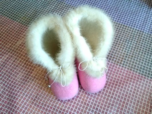 Обувь ручной работы. Ярмарка Мастеров - ручная работа. Купить Валяные детские валеночки.. Handmade. Бледно-розовый