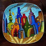 """Посуда ручной работы. Ярмарка Мастеров - ручная работа Декоративная тарелка`Бутылочный город"""". Handmade."""