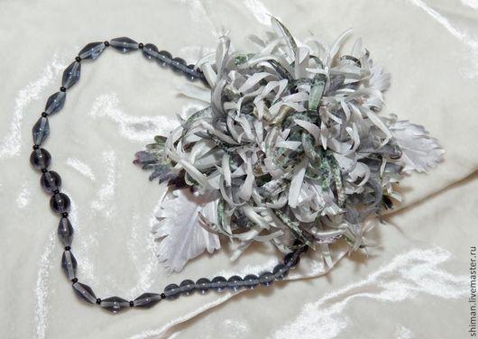 Броши ручной работы. Ярмарка Мастеров - ручная работа. Купить Хризантема из шелка серебристо-серая.. Handmade. Серый, красивое украшение