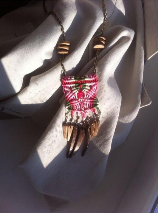 Колье, бусы ручной работы. Ярмарка Мастеров - ручная работа. Купить Макраме подвеска в стиле этно. Handmade. Болотный, этно
