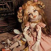 Шарнирная кукла ручной работы. Ярмарка Мастеров - ручная работа Коллекционная кукла Мишель с зайкой. Handmade.