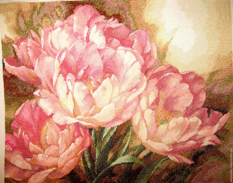 Вышивки трио тюльпанов в
